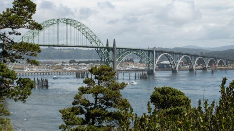 Yaquinta Bay Bridge (famous arch bridge just south of Newport, OR)